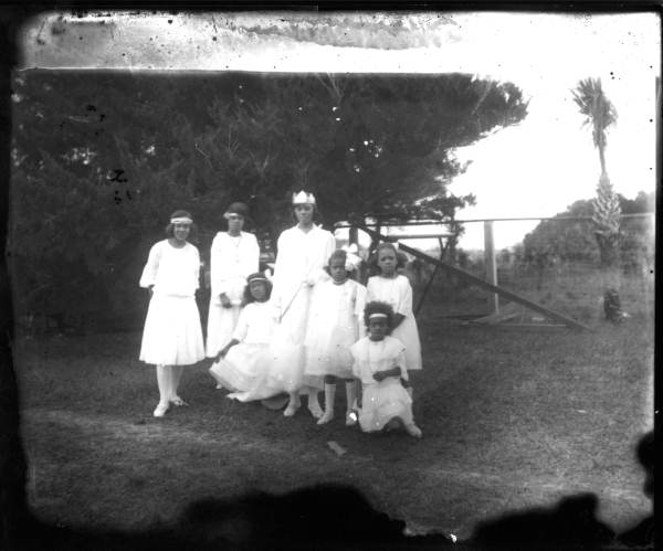 The Queen and her court- Lincolnville, Florida 1920s)